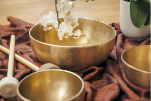 singing-bowls1-600x400